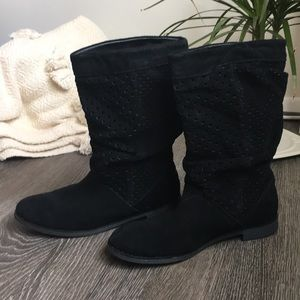TOMS Serra slouch black winter suede boot